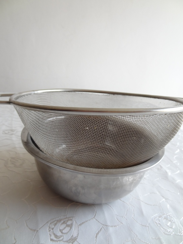 Sieve-And-Bowl